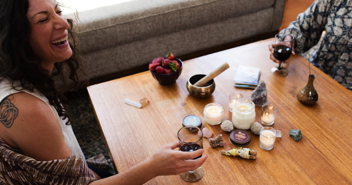 yo soy candle with founder image